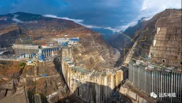 遠東為白鶴灘水電站所供垂吊敷設電纜完成敷設